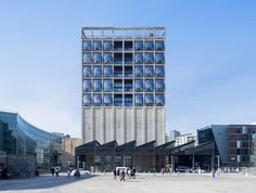On September 2017 the Zeitz Museum of Contemporary Art Africa (MOCAA) opened its doors in Cape Town. The museum self-proclaimed it was the biggest contemporary African Art museum on the continent. Architecture Design, World Architecture Festival, Museum Architecture, Industrial Architecture, Cultural Architecture, Architecture Awards, Futuristic Architecture, Contemporary African Art, Museum Of Contemporary Art