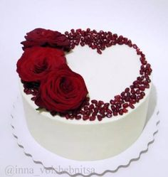 23 Ideas Cake Decorating Ideas Valentines Sweets For 2019 Bolo Ferrero Rocher, Valentines Day Cakes, Cake Decorating Techniques, Decorating Ideas, Birthday Cake Decorating, Love Cake, Cream Cake, Creative Cakes, Celebration Cakes