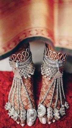 Silver Toe Rings, Silver Bangles, Silver Jewellery, Bridal Jewellery, Jewlery, Toe Ring Designs, Anklet Designs, Henna Art Designs, Mehndi Designs For Girls