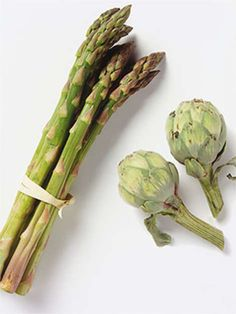 10 Foods that Fight Belly Fat -  - Sauerkraut ( pickled veggies  kimchi) - Onions  Leeks - Artichokes  Asparagus - Avocado - Leafy Greens - Jicama - Yogurt - Garlic - Kiwi ( radishes, tomatoes  carrots) - Lemon ( apple cider vinegar)