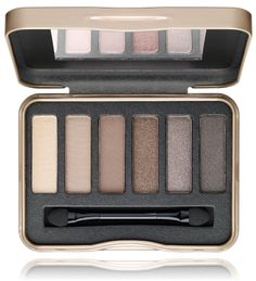 """The new Natural Nudes Eyeshadow Palette by IRMA is a trendy eyeshadow palette in the IRMA-design with 6 professionally coordinated nude nuances. Subtle nude make up looks all the way to dramatic smokey eyes are easily applied. The soft texture of the eyeshadow amazes thanks to its good colour distribution and variable coverage. Moreover the eyeshadow can be easily blended in. The trendy """"tin box"""" with integrated mirror is a visual highlight and a great accessory for your handbag."""