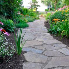 Backyard Walkway, Outdoor Landscaping, Outdoor Gardens, Walkway Ideas, Path Ideas, Landscaping Ideas, Walkway Designs, Flagstone Walkway, Outdoor Walkway