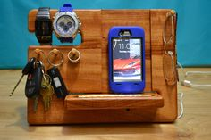 iPhone Wooden Dock by MasterWorks888 on Etsy https://www.etsy.com/listing/253039955/iphone-wooden-dock