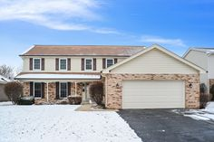 1924 N Carlyle Place Arlington Heights, IL. 60004 MLS #09841197