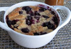 This blueberry bread pudding serves two to three people. Serve this simple, tasty bread pudding with vanilla sauce or a lemon sauce for a delicious everyday dessert. Mug Recipes, Pudding Recipes, Sweet Recipes, Dessert Recipes, Cooking Recipes, Simple Recipes, Blueberry Bread Pudding, Blueberry Recipes, Vanilla Sauce