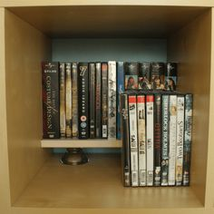 Materials: NEGLINGE 2x, EXPEDIT (doesn't matter which one), plank Description: I wanted to use as little space of my Expedit as possible to store my DVD's. I don't have that much DVD's, but I wanted to be able to see which ones I have. Instead of just putting a second row in front of the …