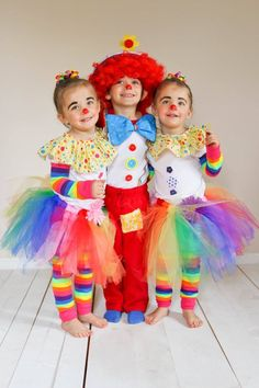 Toddler costumes. Preschool costumes. Twin costumes. Clown costumes. Funny clowns. Cute clowns. DIY costumes. Homemade costumes. Matching costumes. Coordinating costumes.