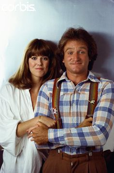 Pam Dawber and Robin Williams of Mork and Mindy - - Rights Managed - Stock Photo - Corbis Madame Doubtfire, Bennett Cerf, Robin Williams Quotes, Mork & Mindy, George Burns, Cinema, Funny People, People People, Celebs