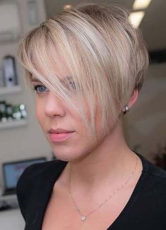 Favorite Pixie Haircut Styles Trends to Sport in 2021 | Stylezco Latest Short Haircuts, Haircuts For Fine Hair, Cute Hairstyles For Short Hair, Cool Haircuts, Hairstyles Haircuts, Choppy Haircuts, Short Hair Long Bangs, Short Thin Hair, Very Short Hair