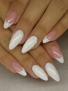 French Manicure Französisch in allen . - Французский маникюр френч во всех проявлен… French Manicure Französisch in allen Erscheinungsformen des Fotos Stylish Nails, Trendy Nails, Cute Nails, Perfect Nails, Gorgeous Nails, Milky Nails, Beach Nails, French Tip Nails, Best Acrylic Nails