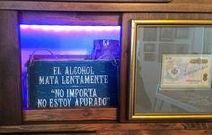 Алкоголь убивает медленно. неважно я никуда не спешу. Drink Signs, No Me Importa, Interiors, Drinks, Drinking, Beverages, Decoration Home, Drink, Decor