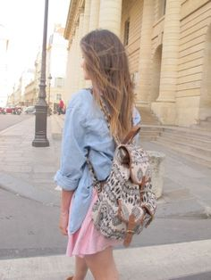 Cool tourist look Aztec Backpacks, Aztec Bag, What's Your Style, Beautiful Handbags, Festival Looks, Louis Vuitton Speedy Bag, Passion For Fashion, Fashion Beauty, Street Style