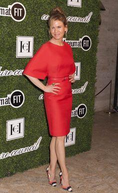 Renee Zellweger honors Carolina Herrera wearing hot red dress