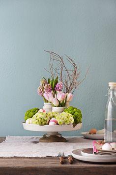 Mesa de Páscoa decorada com elementos vintage   Eu Decoro