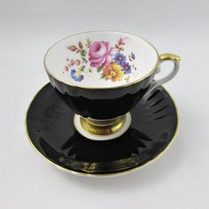 Royal Grafton Black Tea Cup and Saucer with Flowers, Vintage Bone China Tea For Colds, Funny Cups, Royal Tea, Pottery Teapots, Chamomile Tea, Bone China Tea Cups, Vintage Cups, Best Tea, Funny Coffee Mugs