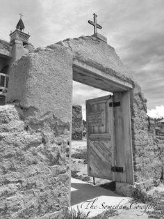 Entrance to San Jose De Gracia Las Trampas in New Mexico