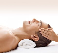 Relax while enhancing your skin with professional spa services ~ male skin care Massage Envy, Neck Massage, Spa Massage, Massage Therapy, Beauty Tips For Men, Natural Beauty Tips, Massage Pictures, Spa Images, Men Spa
