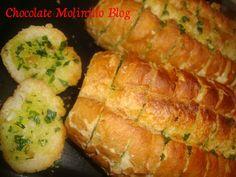 Chocolate Molinillo: Pan crujiente al ajo, mantequilla y perejil