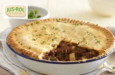 Potato and minced meat pie A simple Meat and potato pie recipe for you to cook a great meal for family or friends. Buy the ingredients for our Meat and potato pie recipe from Tesco today. Easy Pastry Recipes, Pie Recipes, Cooking Recipes, Cuban Recipes, African Recipes, Potato Recipes, Lunch Recipes, Recipies, Mary Berry