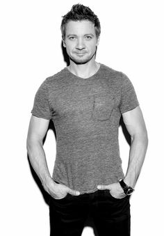 Jeremy Renner is such a gorgeous man!!!