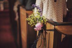 Milk bottles and flowers, wedding ceremony decor ideas