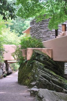 Fallingwater. 1936-1939, Bear Run, Pennsylvania. Frank Lloyd Wright.