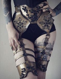 one of my very first jewellery harness 😉 stunning image by Agnieszka Osipa COSTUMES 9600 likes, 143 comment. Search and Explore more Photos and videos by Agnieszka Osipa COSTUMES Cool Outfits, Fashion Outfits, High Fashion, Womens Fashion, Character Outfits, Mode Inspiration, Costume Design, Ideias Fashion, Costumes