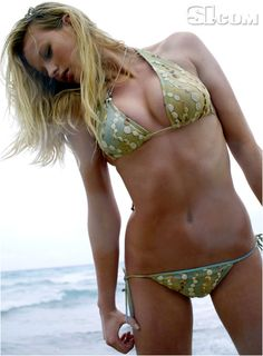 Anne V - Sports Illustrated Swimsuit 2007