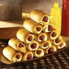 Art Super easy to make party food that references Hot Dog Princess (in a blanket). adventure-time-party