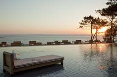 La piscine prolonge la terrasse et participe à la vue : grandiose ! #Amazing #Pool #Outdoor #LaCoorniche
