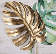 Art Leaf Wall Art (Set Of Multi - This set of 2 Art Leaf Wall Art will add earthy, tropical style to any space. The stunning metal palm leaves are finished in distressed green and gold and sits within a metal frame. Wall Decor Set, Metal Wall Decor, Wall Art Sets, Room Decor, Leaf Wall Art, Leaf Art, Desenio Posters, Wood Panel Walls, Painted Leaves