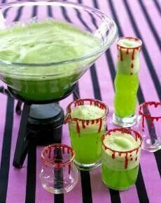 This Halloween punch recipe makes a fantastic non-alcoholic drink for any Halloween party. Pineapple juice, limeade concentrate, seltzer and lime sherbet make this punch sweet, tart and oh so tasty. Punch Halloween, Dessert Halloween, Fete Halloween, Halloween Drinks, Halloween Food For Party, Halloween Treats, Halloween Stuff, Halloween Foods, Creepy Halloween