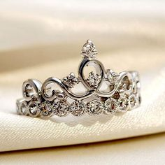 Exquisite Hollow Crown 925 Sterling Silver Plated White Gold Cocktail Ring