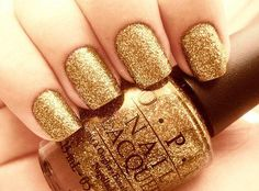 sparkly gold opi nails. if only nail polish actually turned out that way...