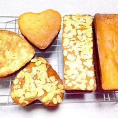 生地は同じで 型を変えて トッピングも「アーモンドスライス」「クランブル」「何ものせない」の3種類。 ちょっと 焼きすぎたかな? - 34件のもぐもぐ - 干し柿のブランデー漬け入り パウンドケーキ by orieueki