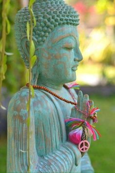 🌙Suns going down on buddha We are gradually building our community tribe wit. Buddha Kunst, Buddha Art, Buddha Peace, Buda Zen, Buddha Painting, Art Asiatique, Spirited Art, Meditation Space, Meditation Corner