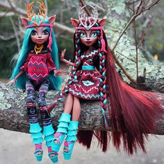 All about Monster High: Isi Dawndancer, original VS OOAK, Wich one you prefer?