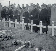 Dutch civilians attending the burial of fifty-five Canadian Soldiers, all members of Canada's Black Watch Regiment. Temporary field cemetery near Ossendrecht, The Netherlands Canadian Soldiers, Canadian Army, Canadian History, British Soldier, American Code, Royal Canadian Navy, British Humor, Armed Forces, World War Two