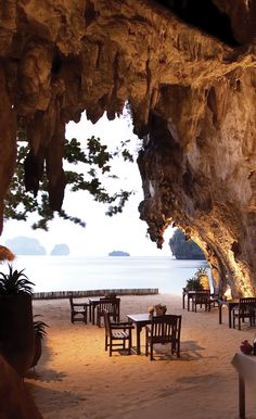 Cave Dining, Railay Beach, Krabi, Thailand Added to bucket list adventures! Playa Railay, Railay Beach, Ocean Beach, Dream Vacations, Vacation Spots, Bangkok, Places To Travel, Places To See, Vacation