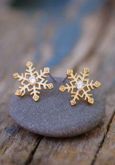 Tiny SNOWFLAKE Earrings Rhinestone Gold Winter