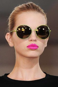 How To Get Bright & Bold Lips?