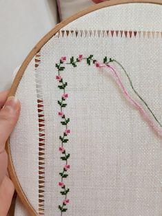 Cross Stitch Fruit, Cross Stitch House, Cross Stitch Flowers, Crochet Border Patterns, Crochet Flower Squares, Cross Stitching, Cross Stitch Embroidery, Cross Stitch Designs, Cross Stitch Patterns