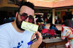 Marco Iaconianni, in arte Squalo Iaco, ha accompagnato la nostra missione in Cambogia durante la quale sono stati operati 10 bambini cardiopatici. Ha appiccicato un sacco di post-it, siamo fieri di lui!
