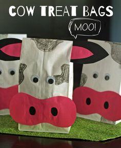 Cow Kid Crafts Fun Farm Theme Animals A cunning life Cow Birthday, Farm Animal Birthday, Birthday Party Themes, Themed Parties, Mouse Parties, Birthday Banners, Birthday Ideas, Fun Crafts For Kids, Kid Crafts