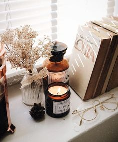 Image about aesthetic in 🍂▫🍁Autumn🍁▫🍂 by theemperorswife Cozy Aesthetic, Autumn Aesthetic Tumblr, Beige Aesthetic, Aesthetic Bedroom, Autumn Cozy, Fall Winter, Coffee And Books, Home And Deco, Autumn Inspiration