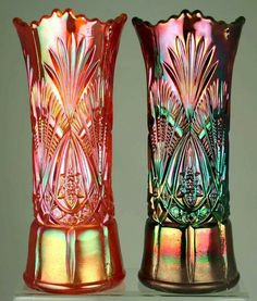 and Carnival Glass Vases … Fenton Glassware, Antique Glassware, Crystal Glassware, Cut Glass, Glass Art, Vintage Bottles, Vintage Dishes, Vintage Pyrex, Rainbow Glass
