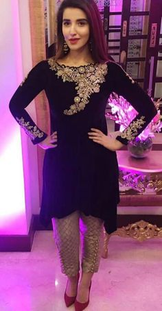 44 Trendy Ideas for dress velvet fashion Pakistani Wedding Outfits, Pakistani Dresses, Indian Dresses, Indian Outfits, Couture, Velvet Dress Designs, Casual Dresses, Fashion Dresses, Party Kleidung