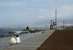 Correa + Estevez Arquitectura - Paseo Maritimo de Las Americas - Tenerife - Paisajismo Tenerife, Remo, New York Skyline, Sidewalk, Travel, Santa Cruz, Architectural Firm, Landscaping, Walks
