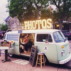 Who wouldn't love to have a @shutterbus photo booth at a wedding for their guests?!