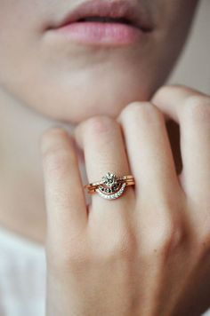 Stacked wedding rings - Engagement Etiquette 101 Everything You Need to Know – Stacked wedding rings Bling Bling, Jewelry Box, Jewelry Accessories, Wedding Jewelry, Cheap Jewelry, Fine Jewelry, Fashion Accessories, Moon Jewelry, Bridal Accessories